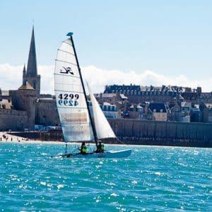 Catamaran à Saint-Malo